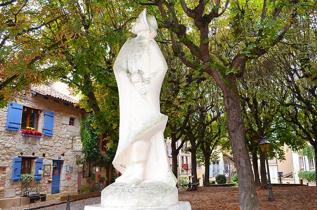 Simple Cyrano de Bergerac statue, Bergerac, France