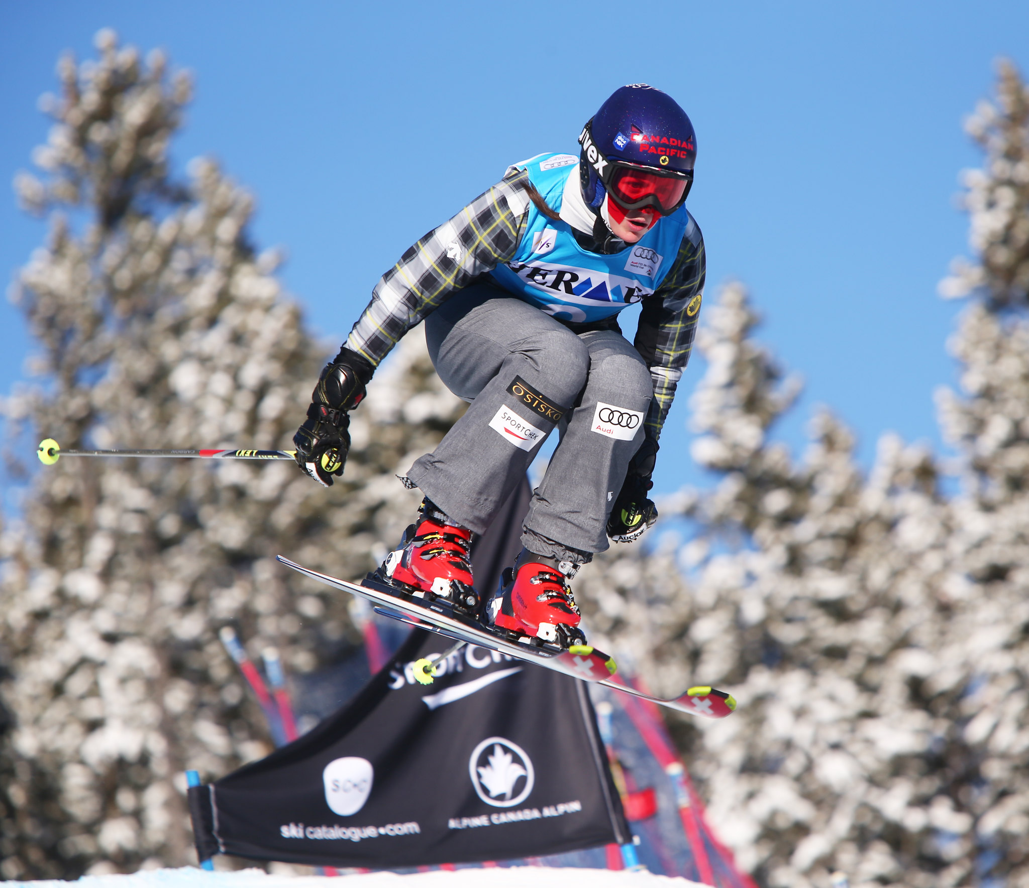 Kelsey Serwa in action during the FIS Ski Cross World Cup qualification in Nakiska, CAN