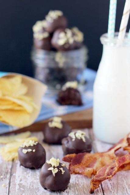 Bacon Potato Chip Truffles   beyondfrosting.com   #truffles #bacon #valentinesday