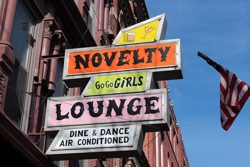 Novelty Lounge