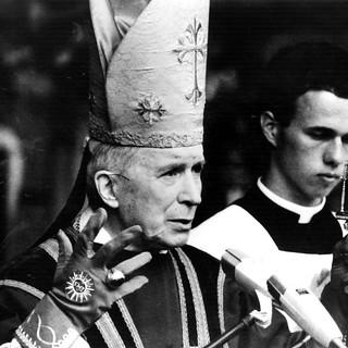 Mgr Marcel Lefebvre 1977