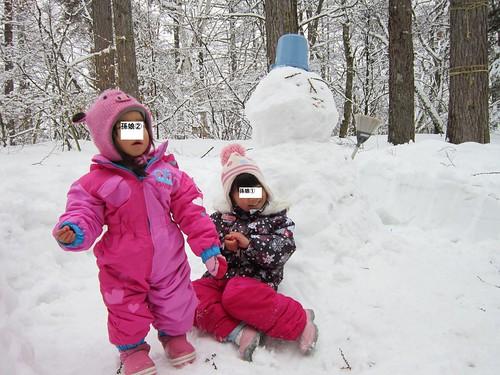 雪ダルマと孫娘たち 2014年3月2日10:47 by Poran111
