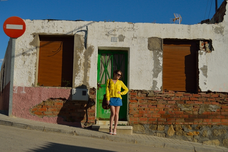 lara-vazquez-madlulablog-fashion-trends-look-yellow