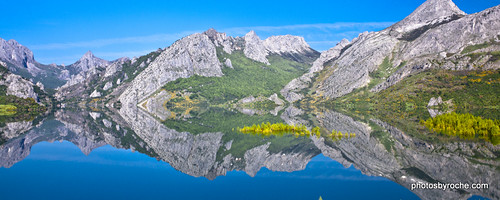 travel lake mountains reflection tourism landscape outdoors spain europe northernspain 7478 cantabrianmountains
