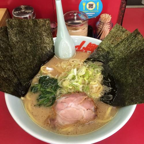 醤油ラーメン海苔増し at 山岡家