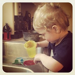 Dada?.. I can hep washin dishin?