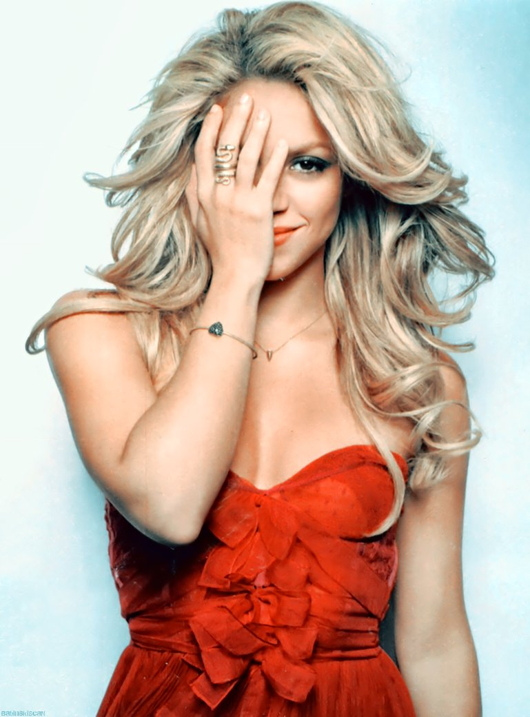 Shakira cosmopolitan 2010