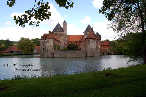 Chateau d'Ohlain by YannTelle