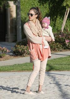 Jessica Alba Beige Jeans Celebrity Style Women's Fashion