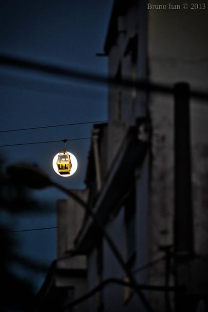 Lua do Teleférico do Complexo do Alemão