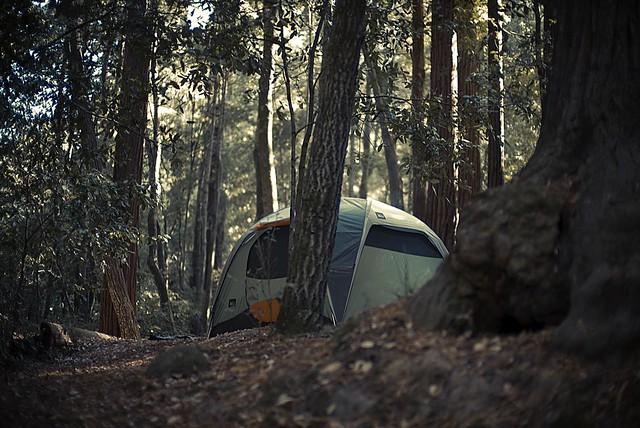 Comment voyager à pied et planter sa tente, par Christopher Michel