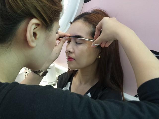 benefit-eyebrow-waxing
