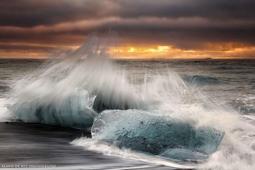 longexposure autumn winter seascape beach water clouds sunrise landscape iceland wave incomingtide runningwater atlanticocean goldenhour jokulsarlon leend09hard alanddewit