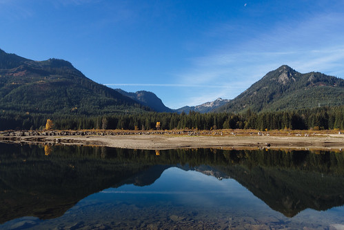 sky moon mountains reflection nature water landscape scenery day scenic bluesky calm clear pacificnorthwest washingtonstate keecheluslake olympusmzuikoed12mmf20 olympusomdem5