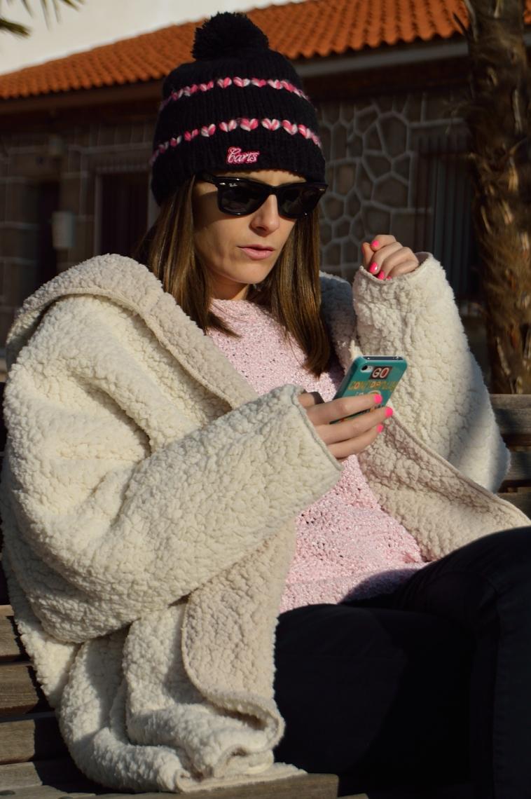 lara-vazquez-madlulablog-abrigo-borrego-pink-sweater