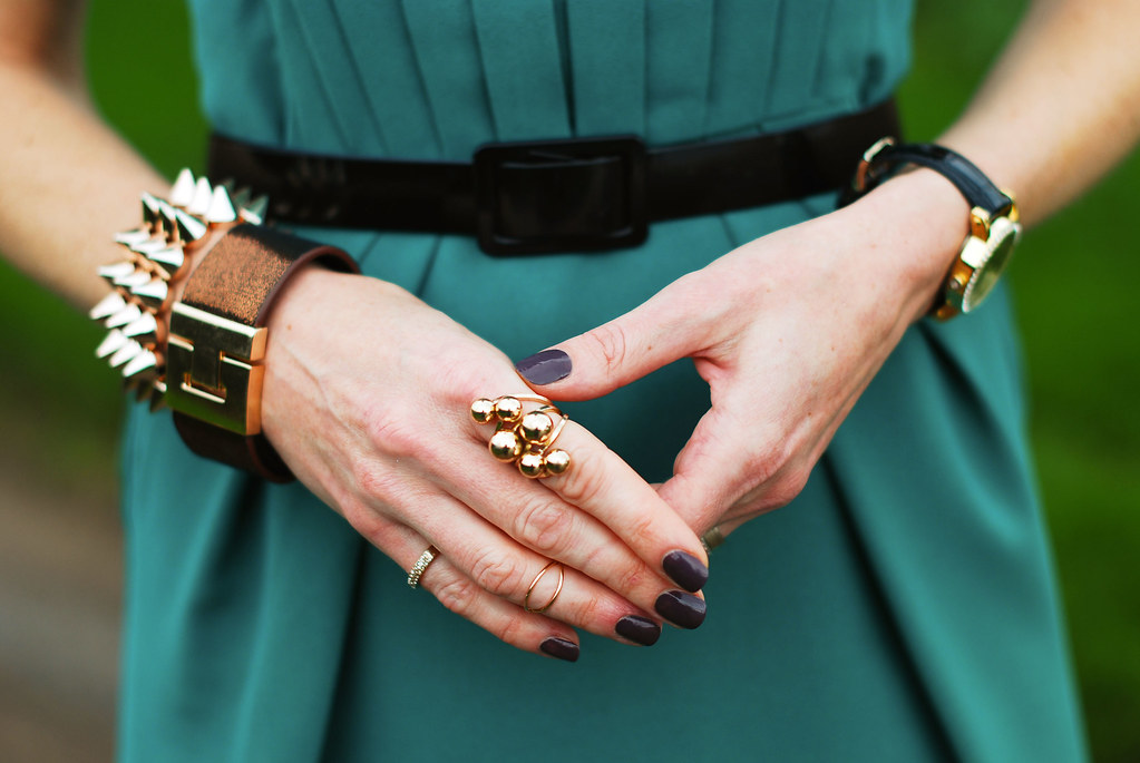 Green dress & gold bling