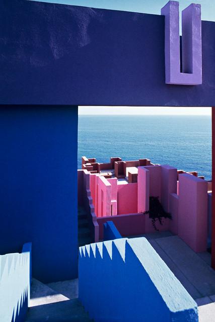 Muralla_Roja_Calpe_Spain_Ricardo_Bofill_Taller_Arquitectura_29