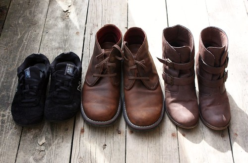 cleaning-salt-stains-off-suede-sneakers-and-boots