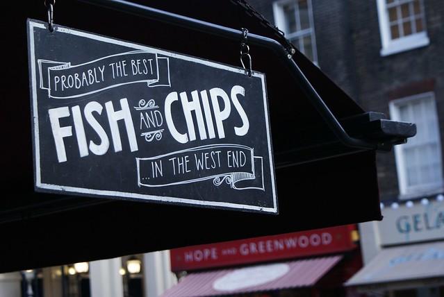 Peut être l'un des meilleurs fish and chips de Londres, en tout cas d'après la pancarte.