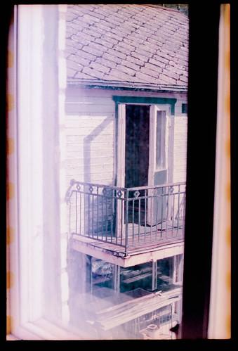 house abandoned skåne ruin urbanexploration 35mmfilm april sverige konicaautoreflextc 2014 skånelän analoguephotography tjörnarp iso100400 epsonperfectionv700 scannegative konicahexanonar57mm lomochromepurple