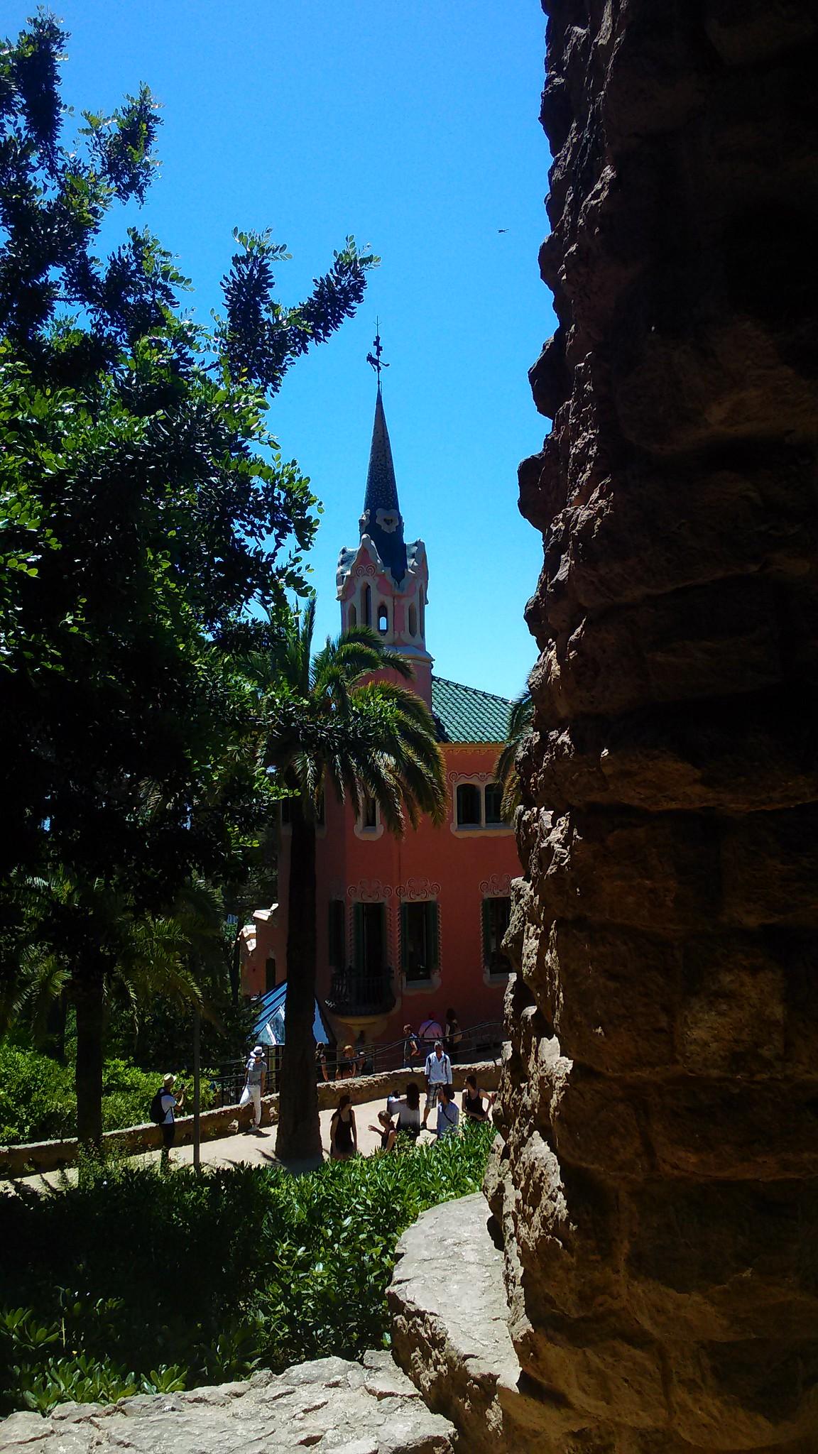 Park Güell - La casa rosata