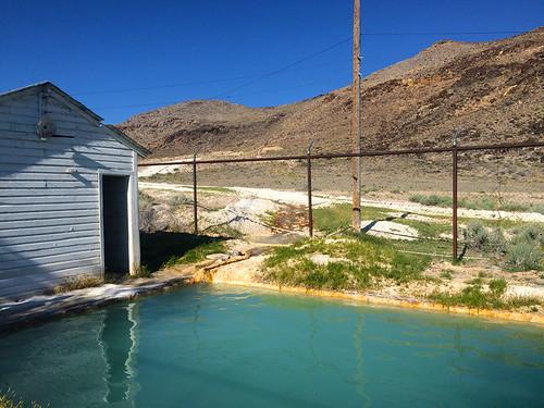blue abandoned pool nevada hotsprings warmsprings twinsprings canonrebelt4i