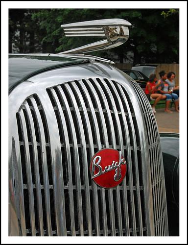 1936 Buick Roadmaster mascot