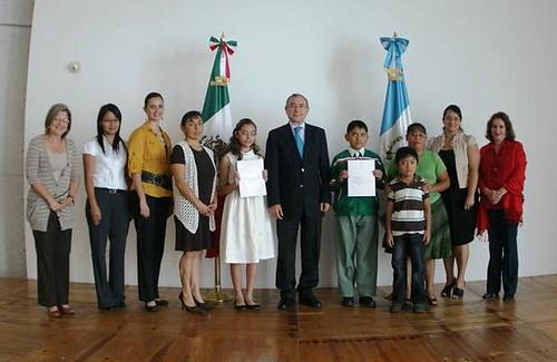 """""""Mejores Alumnos"""" y """"Pintura Infantil"""" del Programa Escuelas México en Guatemala."""