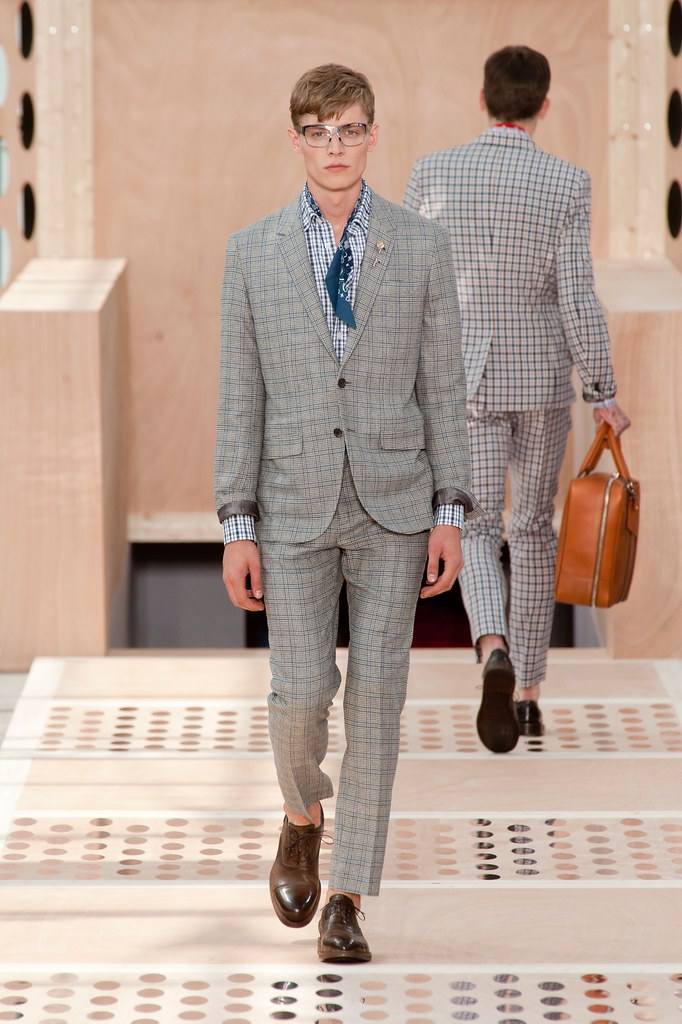Janis Ancens3148_SS14 Paris Louis Vuitton(fashionising.com)