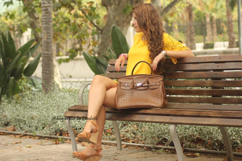 Vestido-amarillo-cuñas-XTI-heelsandroses-(5)