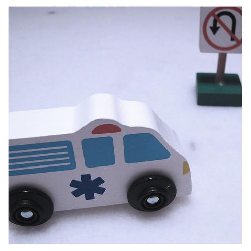 Melissa & Doug Ambulance