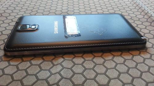 Samsung Galaxy Note 3 ด้านขวา