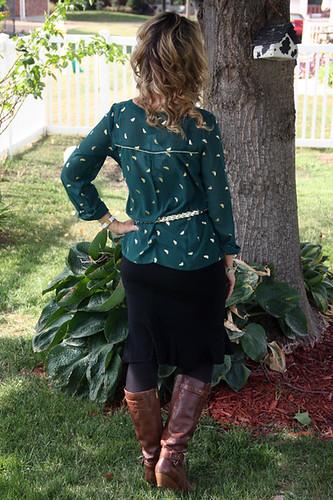 1_Green-Shirt_Back-of-me