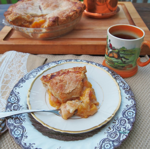 Double Crust Peach Pie with Fresh Peaches