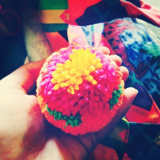 My first flower #pompoms ! #addicted