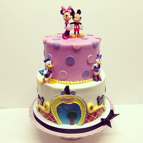 Mickey Mouse club birthday cake #polkadotscupcakefactory