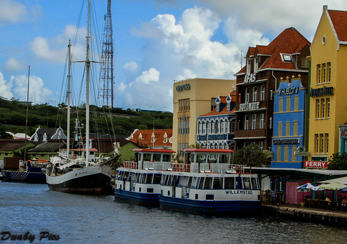 ocean city cruise sea water netherlands colors dutch buildings boats ship capital taxis curacao caribbean willemstad antilles