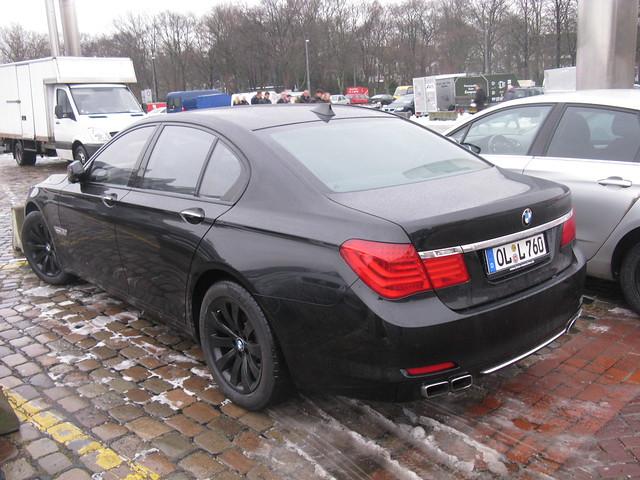 BMW 760i (F01)