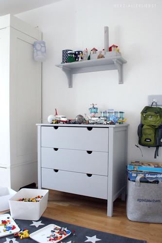 kinderzimmer f r einen gro en jungen ii herz allerliebst. Black Bedroom Furniture Sets. Home Design Ideas