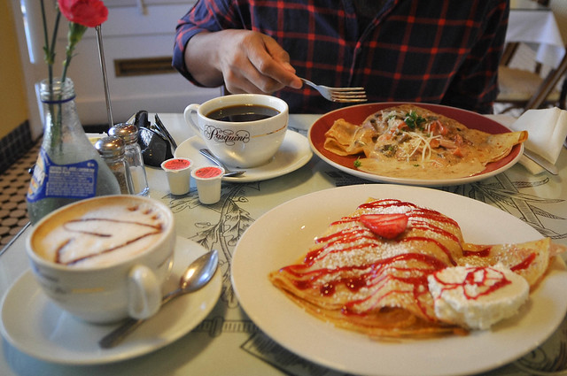breakfast at crepes de paris