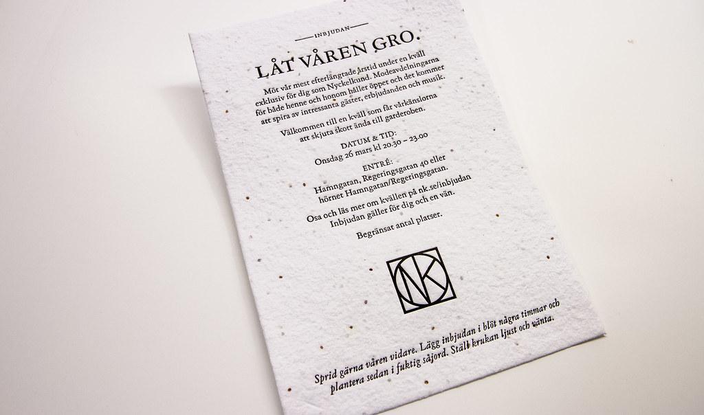 Inbjudningskort av fröpapper.