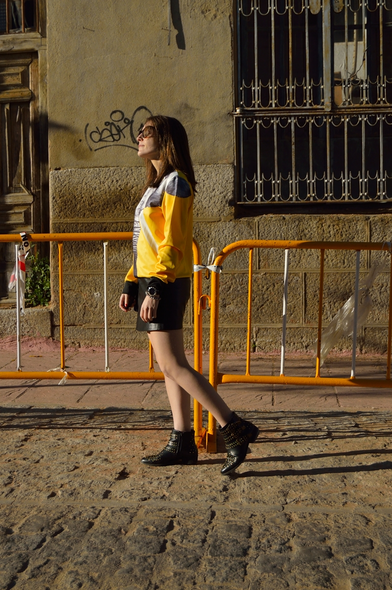 lara-vazquez-madlula-blog-yellow-sweater