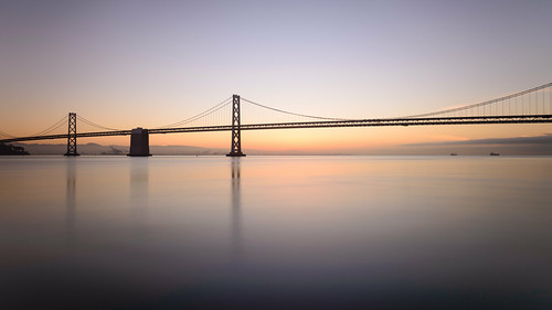 sanfrancisco california longexposure morning sky usa water sunrise unitedstates ships unitedstatesofamerica baybridge sanfranciscobay brücke sonnenaufgang langzeitbelichtung sanfrancisco–oaklandbaybridge