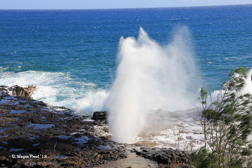 spoutinghorn spoutinghornpark koloa koloadistrict kauai hawaii usa prout geraldwayneprout canon canoneos60d eos 60d digital dslr camera canonlensefs18135mmf3556is lens efs18135mmf3556is photographed photography spouting horn pacificocean district park lavarock lava rock lavatunnels tunnels stateofhawaii hawaiianislands water geyser wave waves landscape sea ocean pacific