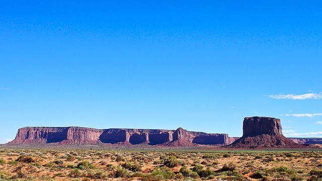 Bluffs in Monument Valley_Snapseed