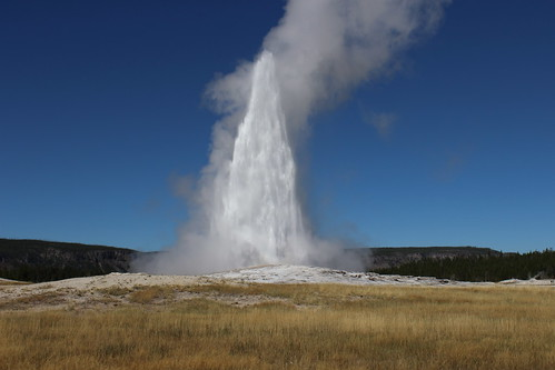 IMG_2064_Old_Faithful_Geyser_Yellowstone_NP