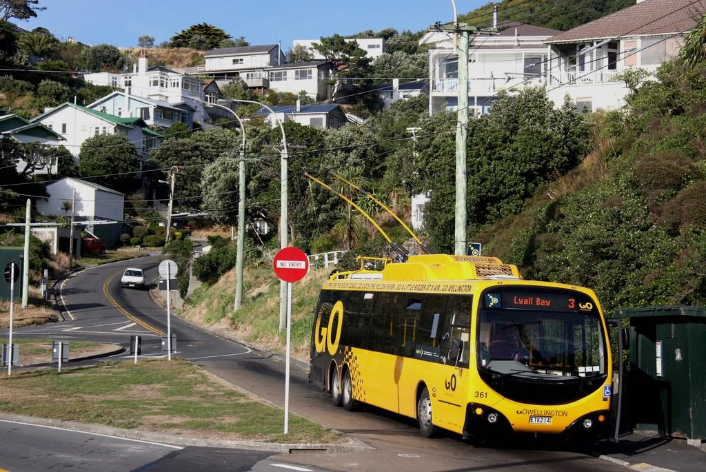 NZ Bus (Go Wellington) 361 at the Lyall Bay loop 31.3.2010
