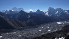 Lodowiec Ngozumba Glacier z Gokyo Ri 5400m