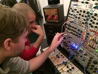 Jonas Demoing some Modules
