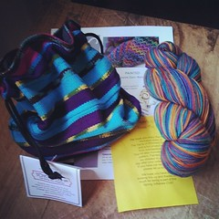 OMG! #LoopyEwe March Giftables Club kit is amazing! #TheYarnsOfRichardDevrieze #yarn in Agawa Canyon, super cute #AmmeesBabies #projectbag I #love both! #knitstagram #knitting #stashenhancement #theloopyewe